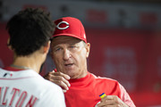 Manager Jim Riggleman #35 of the Cincinnati Reds talks to Billy Hamilton #6 during the game against the Los Angeles Dodgers at Great American Ball Park on September 10, 2018 in Cincinnati, Ohio.