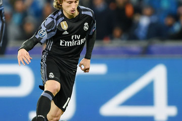 Luca Modric SSC Napoli v Real Madrid CF - UEFA Champions League Round of 16: Second Leg