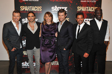 "Lucy Lawless Manu Bennett ""Spartacus: War Of The Damned"" Series Finale Premiere"