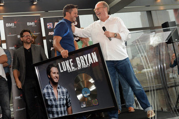 Luke Bryan Luke Bryan Celebrates Four No. 1 Songs