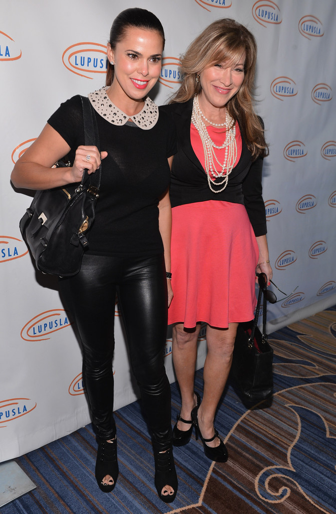 Rosa blasi and lisa ann walter