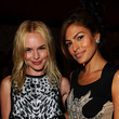 She smiles sweetly with Kate Bosworth.