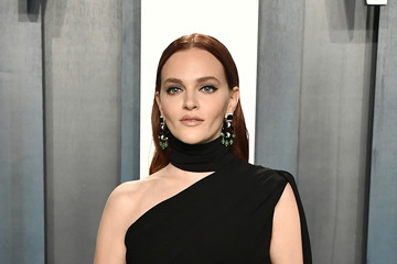 Madeline Brewer 2020 Vanity Fair Oscar Party Hosted By Radhika Jones - Arrivals