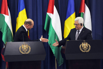 Mahmoud Abbas Welcome Ceremony for Stephen Harper