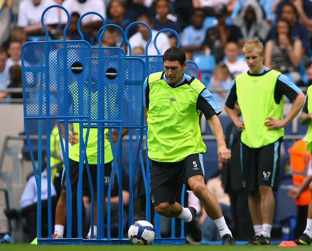 gareth barry in manchester city open training session zimbio. Black Bedroom Furniture Sets. Home Design Ideas