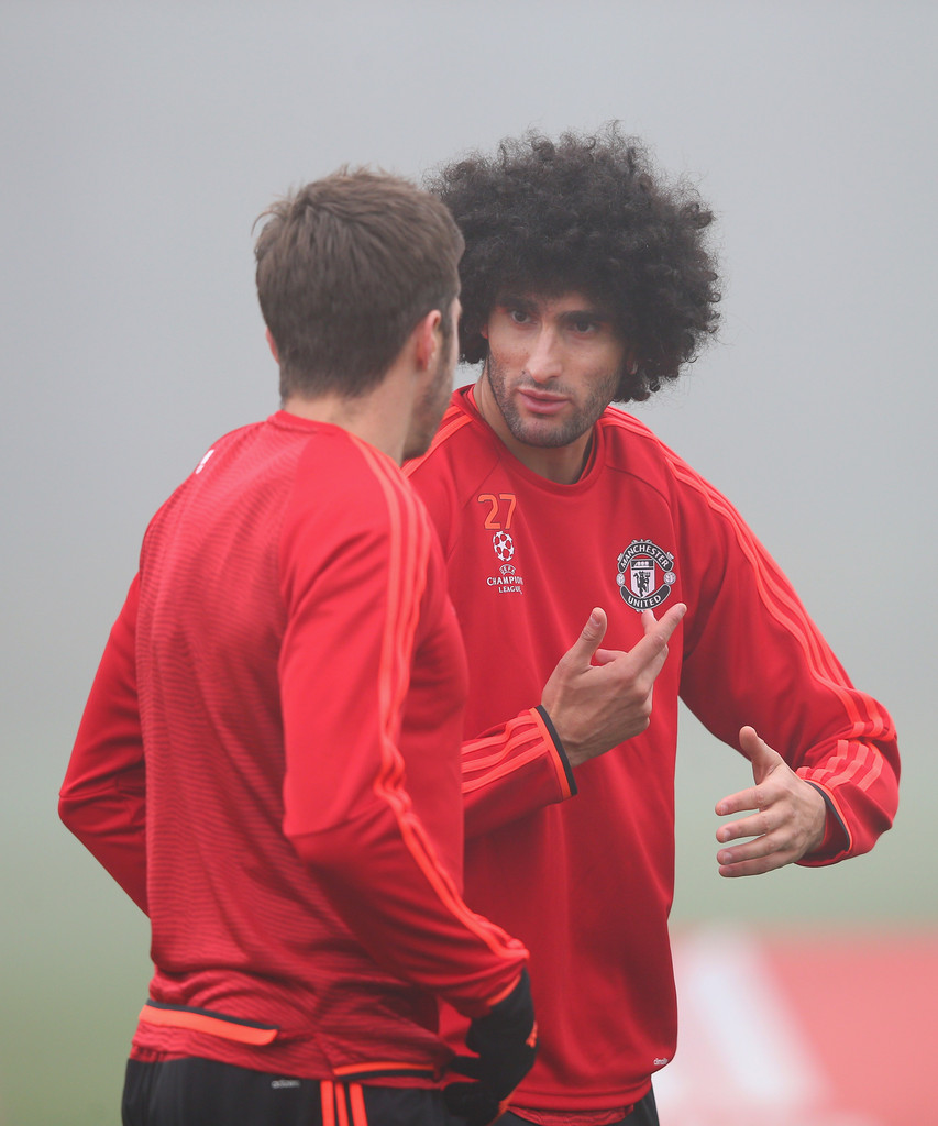 marouane fellaini photos photos manchester united training session zimbio. Black Bedroom Furniture Sets. Home Design Ideas