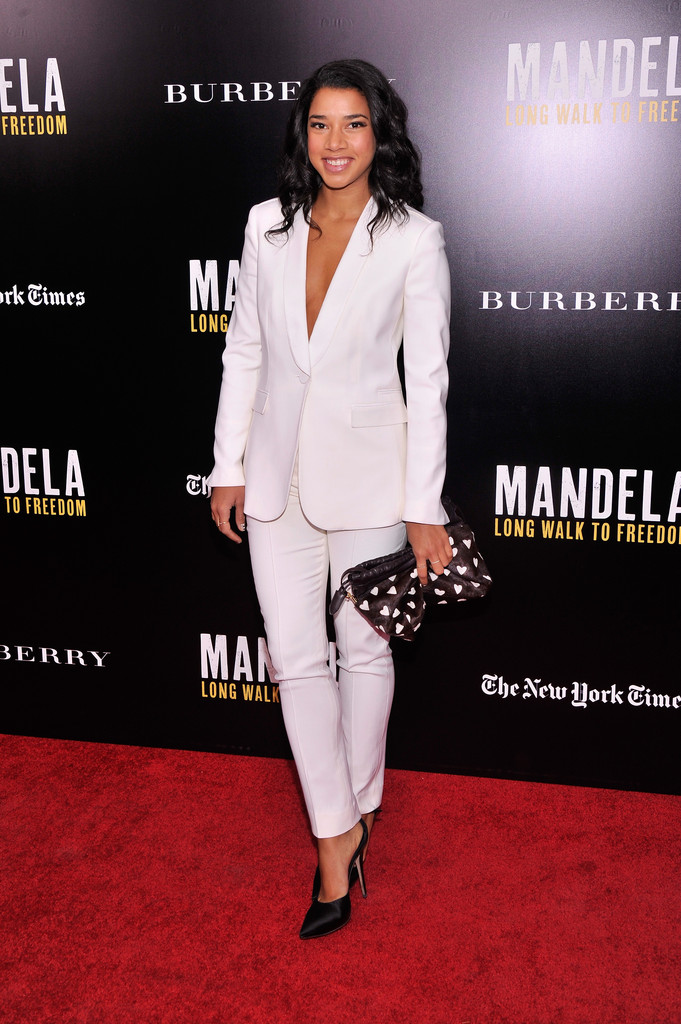 """Hannah Bronfman attends a screening of """"Mandela: Long Walk to Freedom"""", hosted by U2, Anna Wintour and Bob & Harvey Weinstein, with Burberry at the Ziegfeld Theater on November 25, 2013 in New York City."""