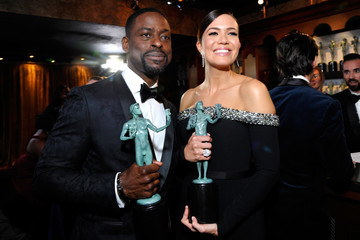 Mandy Moore Sterling K. Brown 25th Annual Screen Actors Guild Awards - Trophy Room