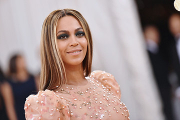 Beyonce Surprised a Teenage Cancer Patient with a FaceTime Call
