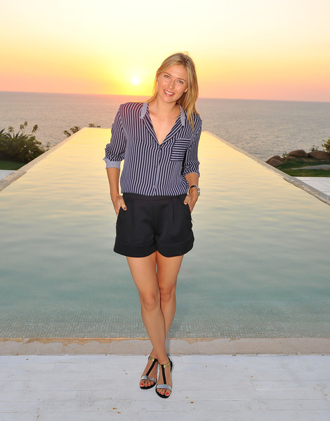 Maria Sharapova - Tennis Star Maria Sharapova Sightseeing  In Acapulco, Mexico