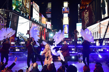 Mariah Carey TOSHIBA New Years Eve In Times Square