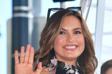 Mariska Hargitay Debra Messing Honored with a Star on the Hollywood Walk of Fame