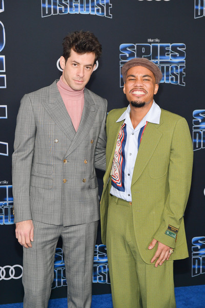Premiere Of 20th Century Fox's 'Spies In Disguise' - Arrivals [suit,premiere,event,carpet,outerwear,white-collar worker,fictional character,formal wear,arrivals,paak,mark ronson,anderson,california,los angeles,20th century fox,spies in disguise,premiere,premiere]