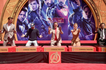 """Mark Ruffalo Chris Hemsworth Marvel Studios' """"Avengers: Endgame"""" Stars Place Handprints In Cement At TCL Chinese Theatre"""