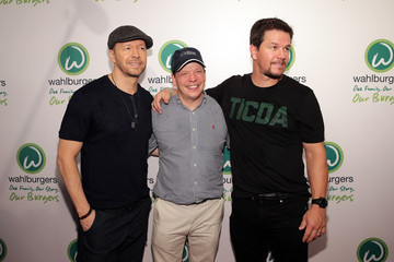 Mark Wahlberg Celebrities Attend the 'Wahlburgers' Coney Island Preview Party