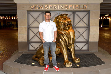 Mark Wahlberg Mark Wahlberg Announces New Wahlburgers Location Coming To MGM Springfield In Late 2019