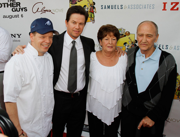 Paul Wahlberg Married (l-r) paul wahlberg, mark