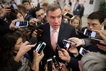 Mark Warner News Pictures of the Week - May 18
