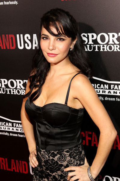 Watch furthermore 110410248 also Martha Higareda together with Julio C C3 A9sar Ch C3 A1vez vs likewise Top Ten Richest Boxers Times World. on oscar de la hoya in angeles california