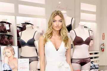 Martha Hunt Victoria's Secret Angel Martha Hunt Is Your Every Day Angel In Body By Victoria