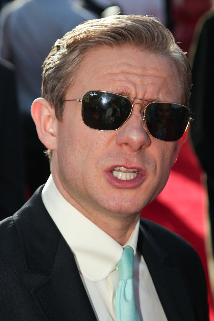 http://www2.pictures.zimbio.com/gi/Martin+Freeman+Hobbit+Unexpected+Journey+World+TO2eh7E1E9gx.jpg