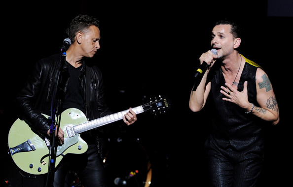 http://www2.pictures.zimbio.com/gi/Martin+Gore+7th+Annual+MusiCares+MAP+Fund+f4_y7xUtJi7l.jpg