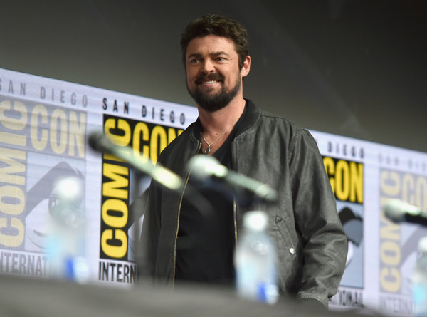 http://www2.pictures.zimbio.com/gi/Marvel+Studios+Hall+H+Panel+pD-PKLst_CQl.jpg