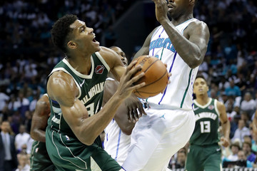 Marvin Williams Milwaukee Bucks vs. Charlotte Hornets
