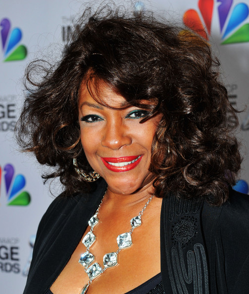 mary wilson pictures   43rd naacp image awards   red