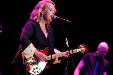 Mary Chapin Carpenter 'We're All 4 the Hall' Benefit Concert