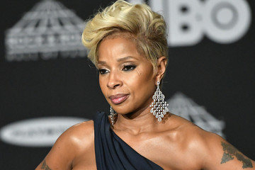 Mary J. Blige 33rd Annual Rock & Roll Hall Of Fame Induction Ceremony - Press Room