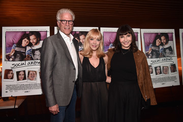 "Mary Steenburgen Premiere Of Paramount Pictures And Vertical Entertainment's ""Social Animals"" - Red Carpet"