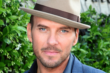 Matt Goss John Varvatos 11th Annual Stuart House Benefit - Inside