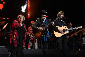 Mavis Staples The Second Annual LOVE ROCKS NYC! A Benefit Concert for God's Love We Deliver - Inside