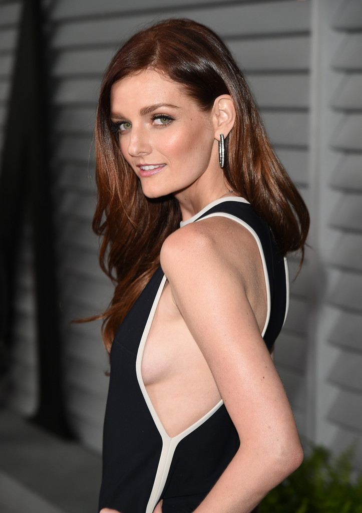 Lydia Hearst, Chris Hardwick Marry in Romantic Wedding ...