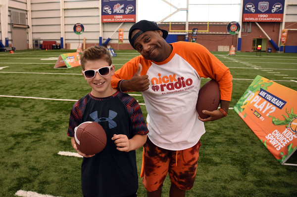 18d9b2e23d3 Nickelodeon Partners with the New York Giants for Kids  Choice Sports 2015   Triple Shot