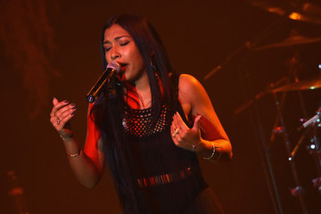 "Melanie Fiona Verizon Takes ""The Big Pay Off"" To Atlanta Celebrating Consumers With A Special Exclusive Performance By Melanie Fiona And Expert Entertainment Panel"