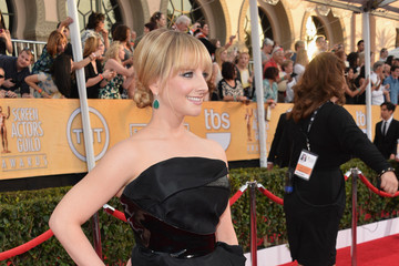 Melissa Rauch 20th Annual Screen Actors Guild Awards - Red Carpet