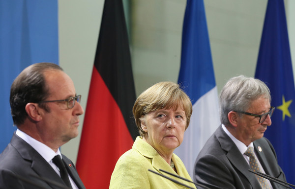 Merkel, Hollande and Juncker Meet Over Greece Crisis