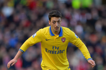 Mesut Ozil Stoke City v Arsenal - Premier League