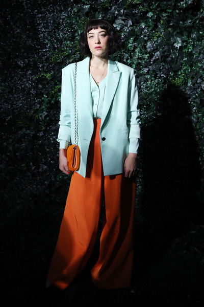 alice + olivia by Stacey Bendet Fall 2020 Presentation [clothing,orange,fashion,fashion model,suit,outerwear,formal wear,blazer,photography,coat,stacey bendet,mia moretti,new york city,highline stages,alice olivia,presentation,presentation,mia moretti,new york fashion week,fashion week,new york,2016 cfda fashion awards,fashion,fashion show,milan fashion week,livingly media]