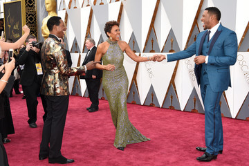 Michael Strahan Robin Roberts 88th Annual Academy Awards - Red Carpet Pictures