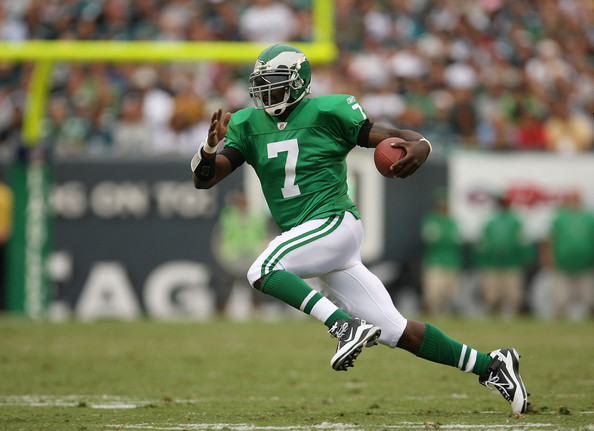 Michael Vick Michael Vick #7 of the Philadelphia Eagles rushes during a game against the Green Bay Packers at Lincoln Financial Field on September 12, 2010 in Philadelphia, Pennsylvania.