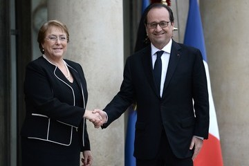 Michelle Bachelet French President Francois Hollande Receives Michelle Bachelet At Elysee Palace in Paris