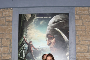 """Michelle Clunie Premiere Of New Line Cinema's """"Jack The Giant Slayer"""" - Arrivals"""