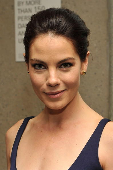 http://www2.pictures.zimbio.com/gi/Michelle+Monaghan+40th+Annual+Fifi+Awards+ZcpnU3WM_Oql.jpg