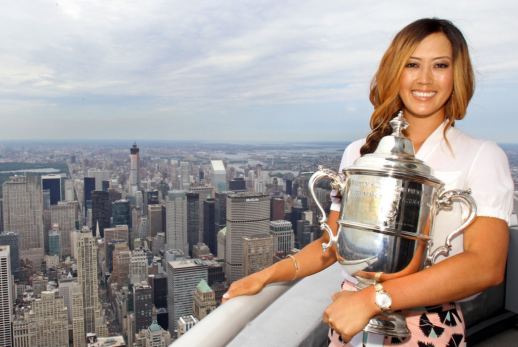 Michelle wie photos photos michelle wie visits the for 103rd floor empire state building