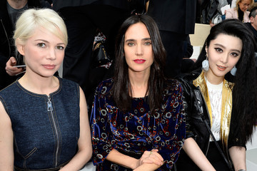 Michelle Williams Front Row at Louis Vuitton