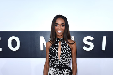 Michelle Williams (singer) Arrivals at the MTV Video Music Awards — Part 2