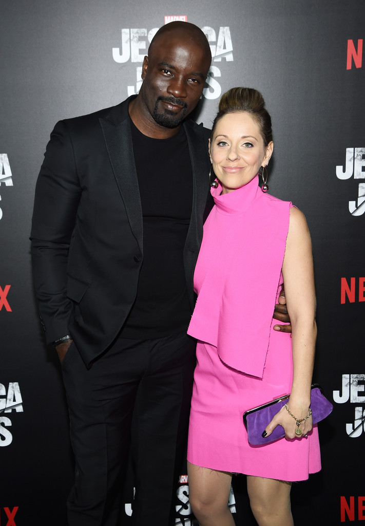 http://www2.pictures.zimbio.com/gi/Mike+Colter+Jessica+Jones+Series+Premiere+g3CVzGJmsNrx.jpg